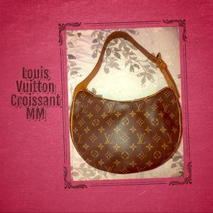 ♥️Louis Vuitton Croissant MM♥️